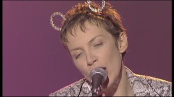 """Annie Lennox """"No More i Love You's """" (1995)"""