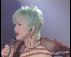 "Cyndi Lauper / Angélique Kidjo ""Lady Marmelade"" (1997)"