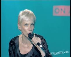"""Annie Lennox """"Hallelujah"""" (2007)"""