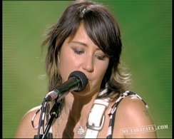 "KT Tunstall ""Hold On"" (2007)"