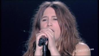 """Izia """"Let Me Alone"""" (2010)"""