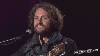 "Backstage - John Butler Trio ""Only One"", ""Living in the city"" (+ Micky Green)"