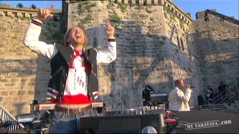 "David Guetta / Chris Willis ""Gettin'  Over You"" (2010)"
