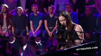 "Jasmine Thompson ""Mad World"" (Tears For Fears) (2017)"