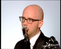 "Moby ""Lift Me Up"" (2005)"